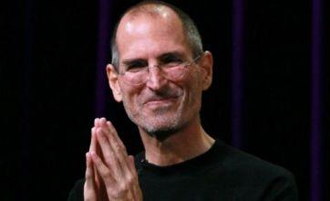 Steve Jobs under fire as Apple v BlackBerry row continues