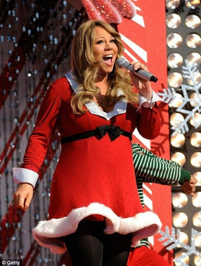 Mariah Carey Christmas.Mariah Carey S All I Want For Christmas Is You To Hit One