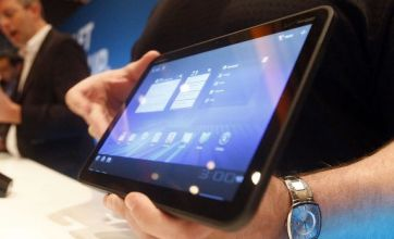 CES 2011: Motorola unveils 'Xoom' Honeycomb tablet and Atrix phone