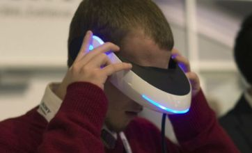 CES 2011: Sony unveils 3D headset, Microsoft launch Avatar Kinect