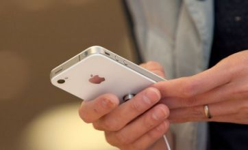 Three-year mobile phone contracts outlawed by Brussels