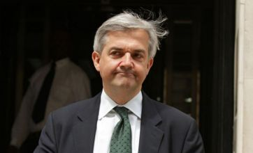 Chris Huhne offers to help police investigating speeding ticket claims