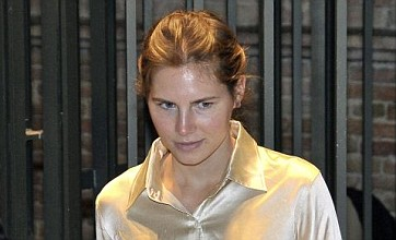 Amanda Knox breaks down in tears during murder appeal