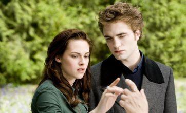 Robert Pattinson is a great kisser, says Twilight director