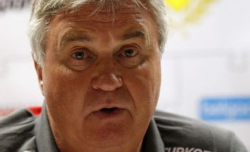 Ray Wilkins: Guus Hiddink would be a first class appointment for Chelsea