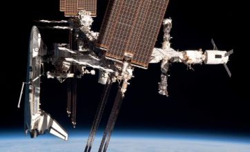Amazing space shuttle docking pictures taken by astronaut