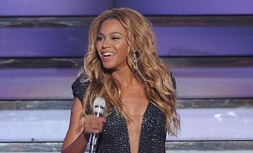 Coldplay's Chris Martin helped convince Beyoncé to play Glastonbury