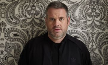 Chris Moyles signs £1.25m deal to host Radio 1 show until 2014