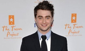Dry Daniel Radcliffe reveals battle with alcohol to fit in to party scene