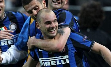 Manchester United chief jets into Milan to finalise Wesley Sneijder transfer