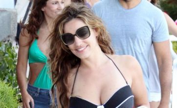Kelly Brook ponders staying in Naples after missing flight back to UK