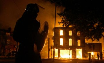London riots spread as capital burns for third night