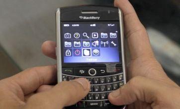 Hackers target BlackBerry staff over riot police help
