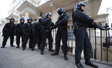 London riots: 'Significant milestone' as more than 1,000 riot suspects charged