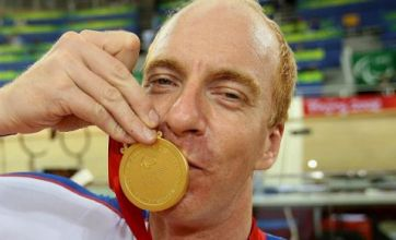 Paralympic cyclist Simon Richardson breaks back after hit-and-run crash