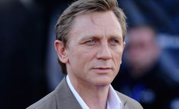 Daniel Craig happy with heartthrob status in Cowboys and Aliens