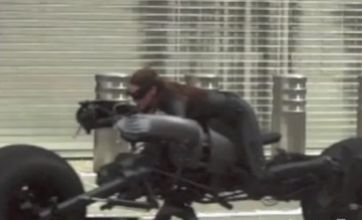The Dark Knight Rises video shows Catwoman in Batpod chase scene