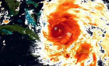 Hurricane Irene eyes New York as Bahamas get battered