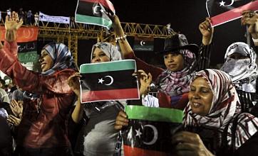 David Cameron flies to Paris summit to welcome Libya's new leaders