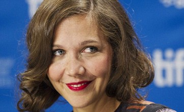Maggie Gyllenhaal gave vibrators to Hysteria cast and crew