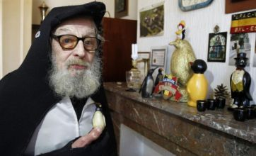 Mr Penguin reveals plans for penguin-themed funeral