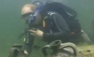 Putin scuba dive 'discovery' was faked, Russian PM's rep confirms