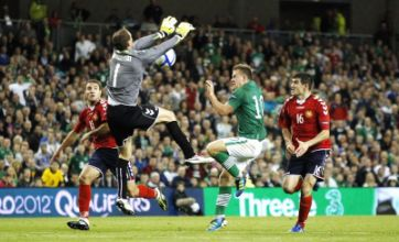 Richard Dunne goal helps Republic of Ireland land Euro 2012 play-offs place