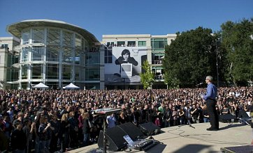 Apple posts video of Steve Jobs memorial for public viewing