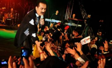 'Afghan Elvis Presley' has Kabul women all shook up