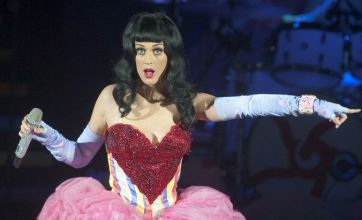 Katy Perry thanks fans on Twitter after winning five People's Choice Awards