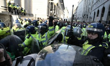 'Kettling' High Court appeal over G20 protests won by Met Police