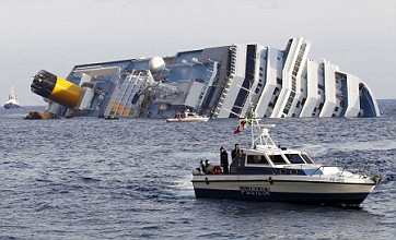Rescuers suspend search after Costa Concordia shifts again