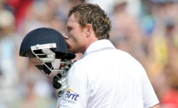 Ian Bell fit for England third Test but Chris Tremlett may need back op