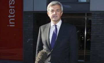 Chris Huhne 'should reject £17k pay-off' after resigning over charge