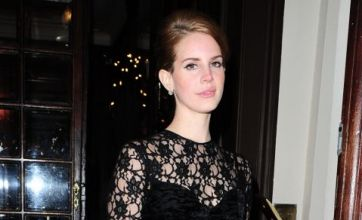 Lana Del Rey performs in front of Michelle Williams at Mulberry dinner