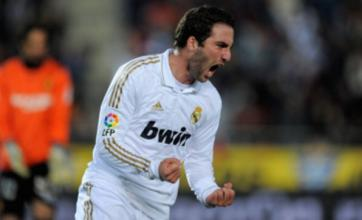 Gonzalo Higuain's Real Madrid exit looms as Man City and Chelsea wait