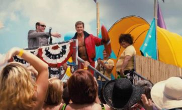 New Piranha 3DD trailer features lots of boobs and David Hasselhoff cameo