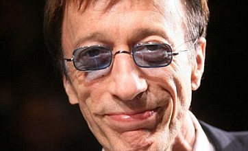 Robin Gibb 'in remission' after undergoing cancer treatment