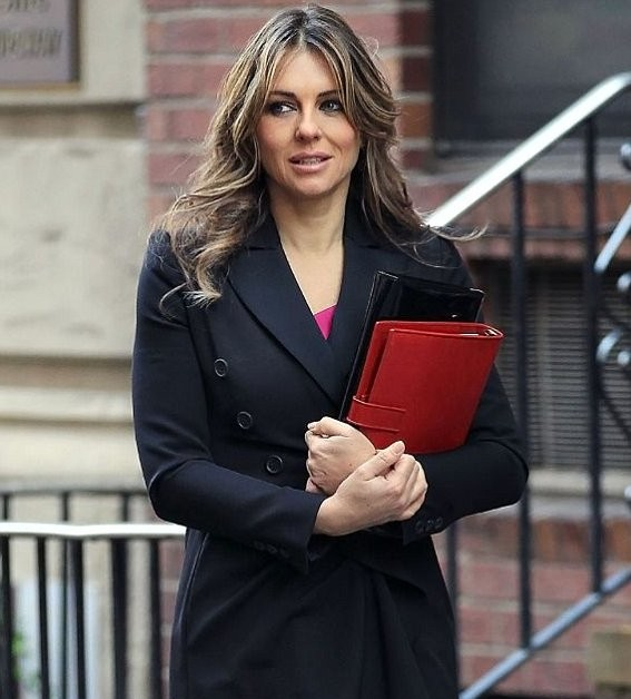 Elizabeth Hurley takes to Twitter to deny 'affair' with Bill Clinton after branding the claims 'ludicrously silly'