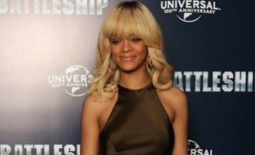 Rihanna scotches Ashton Kutcher romance rumours: 'I'm single'