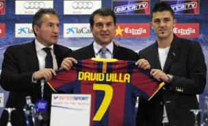 Txiki Begiristain (left) was involved in David Villa's move to Barcelona (AFP/Getty Images)