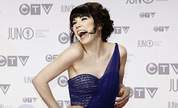 Carly Rae Jepsen scores first UK number one with Call Me Maybe