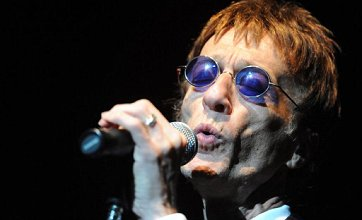 Bee Gee Robin Gibb 'may have just days left to live' after falling into coma