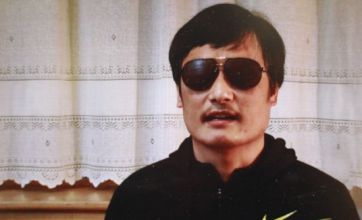 Blind activist Chen Guangcheng escapes before crucial US-China talks