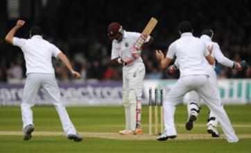Ian Bell: England need to take Shivnarine Chanderpaul's wicket early