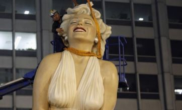 Giant Marilyn Monroe statue dismantled in Chicago