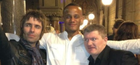 Vincent Kompany poses with Liam Gallagher and Ricky Hatton, league win.