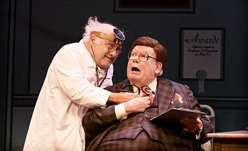Danny DeVito and Richard Griffiths make a fine pair in The Sunshine Boys