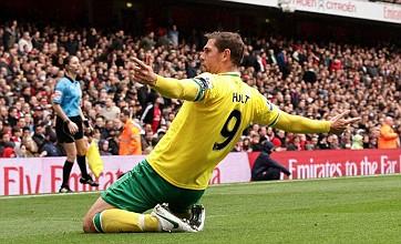 Norwich reject top scorer Grant Holt's transfer request