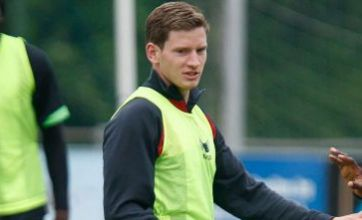 Ajax star Jan Vertonghen tells Spurs to hurry up or he'll sign for Arsenal